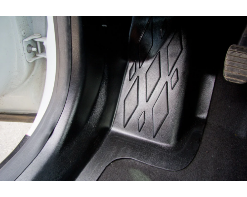 Накладки на ковролин передние Yuago АртФорм для Renault Kaptur