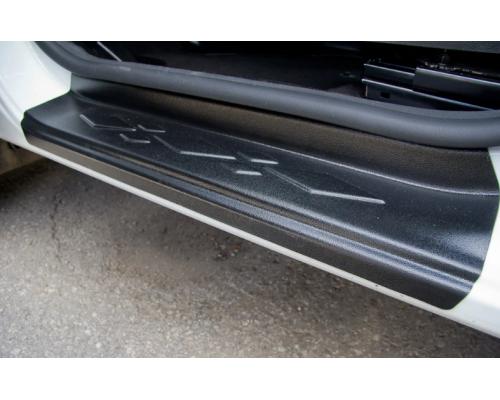 Накладки внутренних порогов Yuago АртФорм для Renault Kaptur