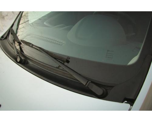 Накладка в проём стеклоочистителей (Жабо без скотча) Yuago АртФорм для Lada Largus