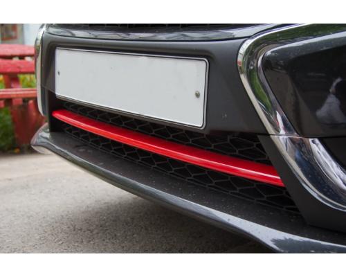 Накладка на передний бампер (АБС в цвет автомобиля) Yuago АртФорм для Lada Vesta SW/ Vesta седан