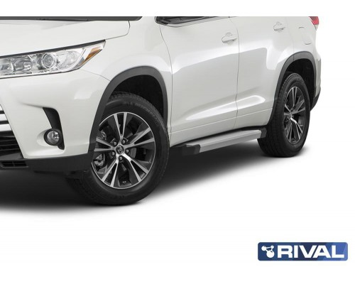 """Пороги алюминиевые Rival """"Silver"""" для Toyota Highlander 2014-"""