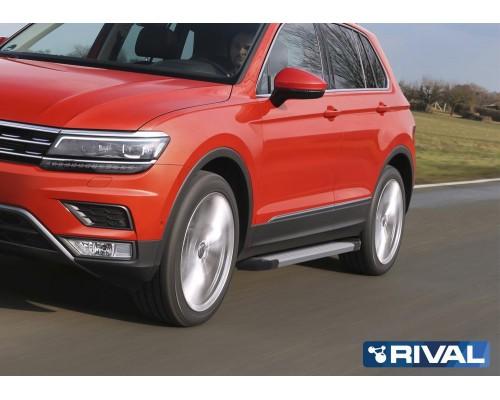"""Пороги алюминиевые Rival """"Silver"""" для Volkswagen Tiguan 2017-"""